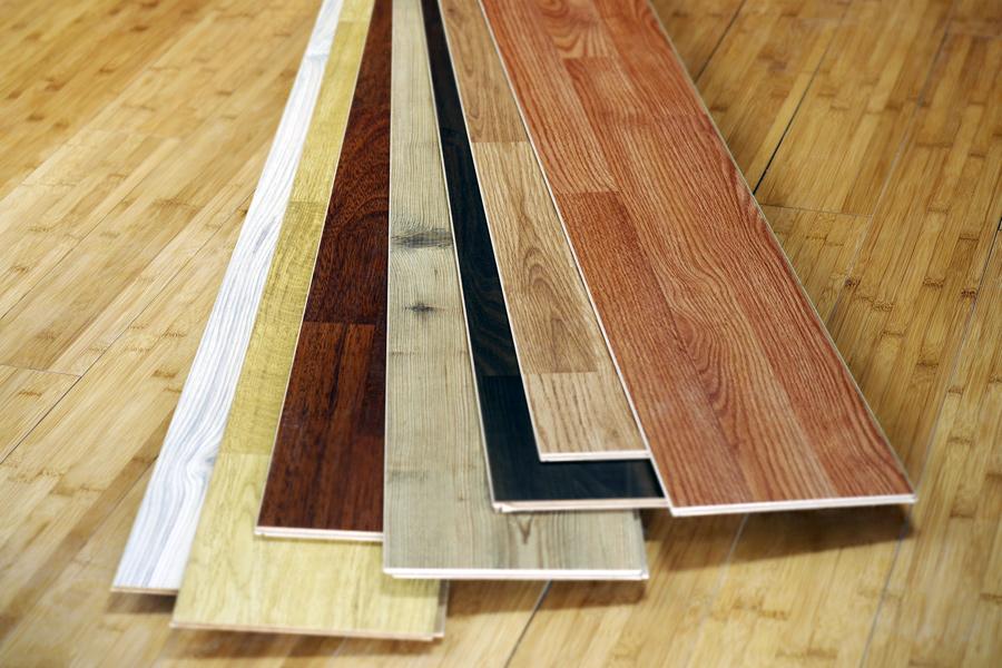 Een laminaatvloer is te leggen in een scala aan kleuren en houtprints.