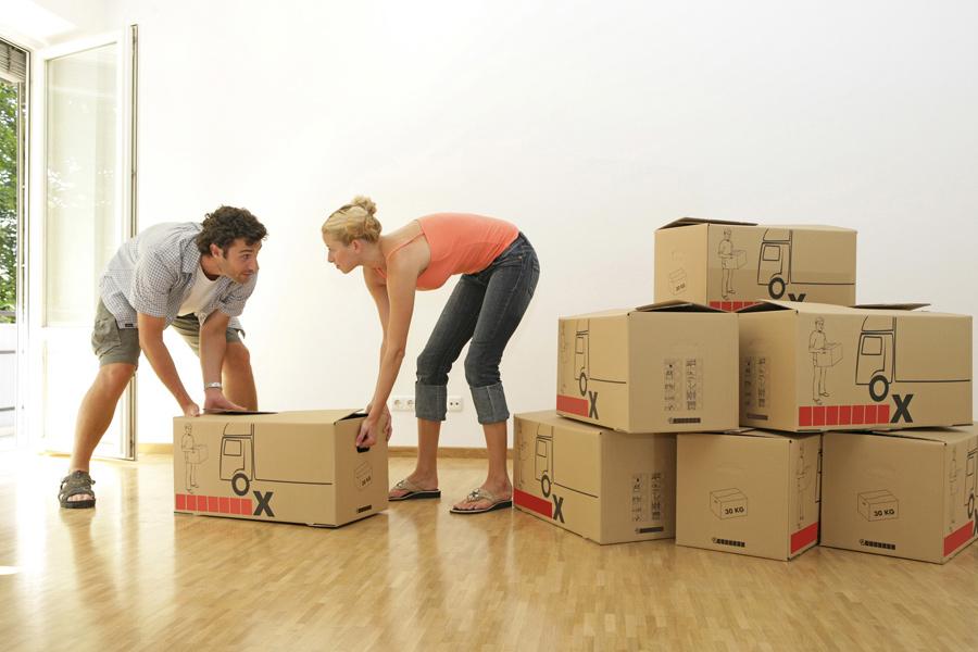 Verhuizen is veel werk. Je kunt het zelf doen of met de hulp van een verhuisservice.
