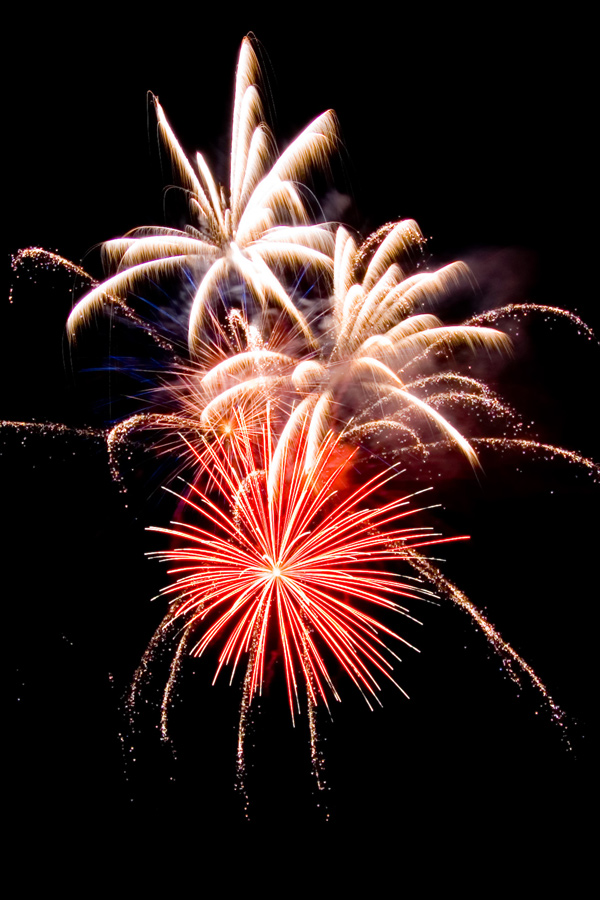 Vuurwerkshops bieden vuurwerk voor consumenten maar ook voor professionele vuurwerkshows.